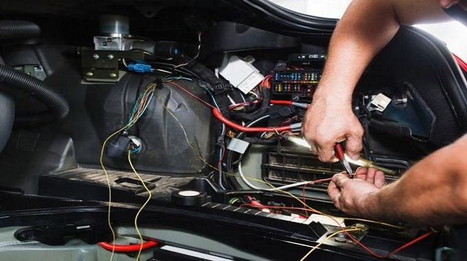 Carrera SENATI Electricista Automotriz